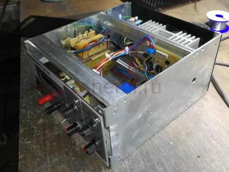 Лабораторный блок питания 30 В 3 A
