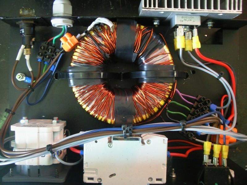 Автомобильное мощное зарядное устройство на 12V 5-10-15A