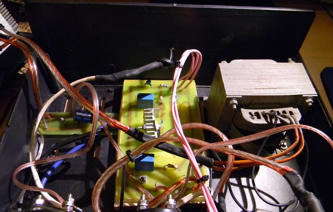 ЗУ на 12 В с регулируемым зарядным током