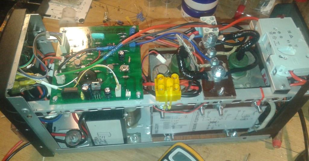 Тиристорный зарядный выпрямитель на 20 Ампер