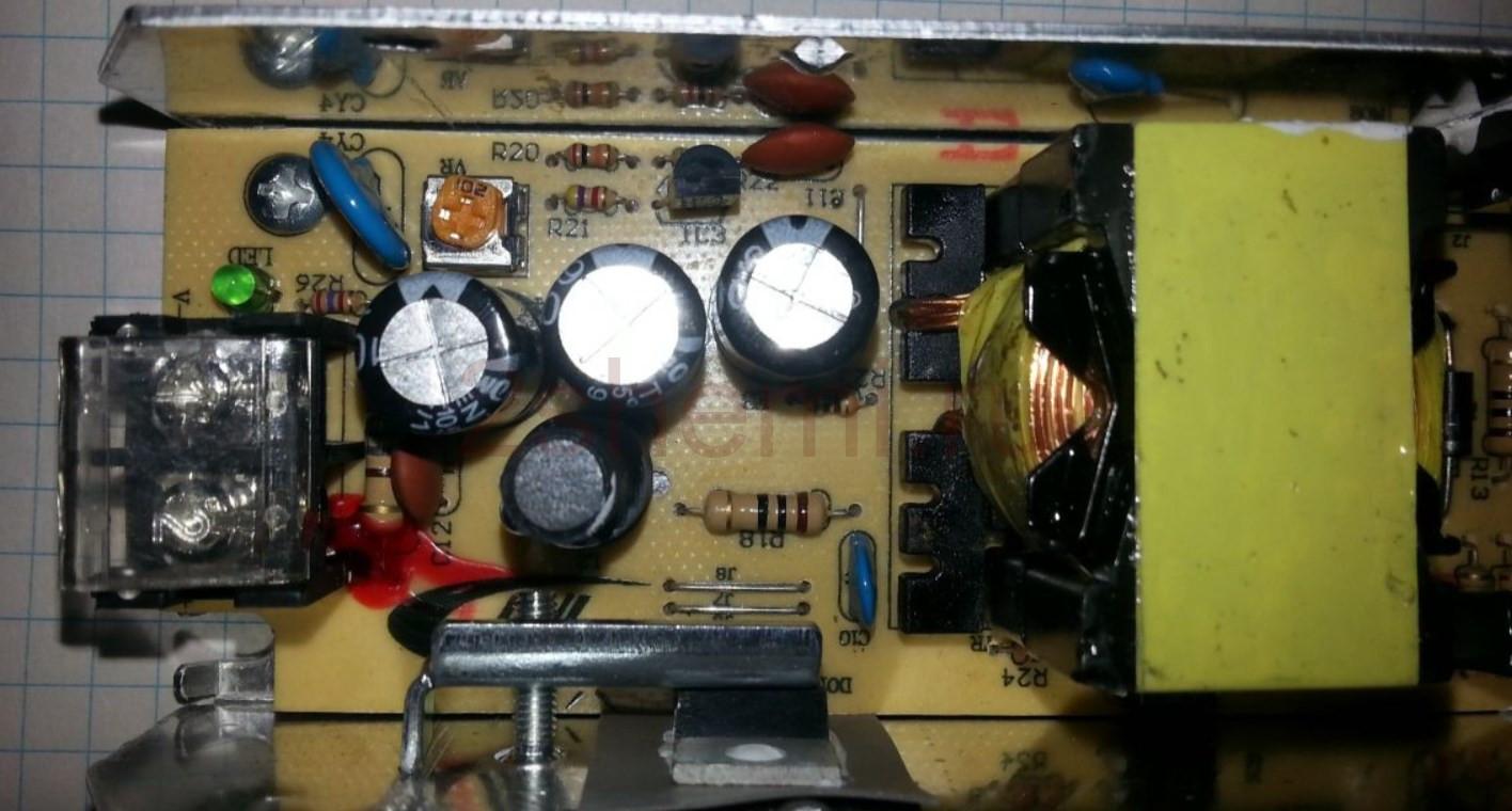 Улучшенное освещение вытяжки: LED лента и регулятор