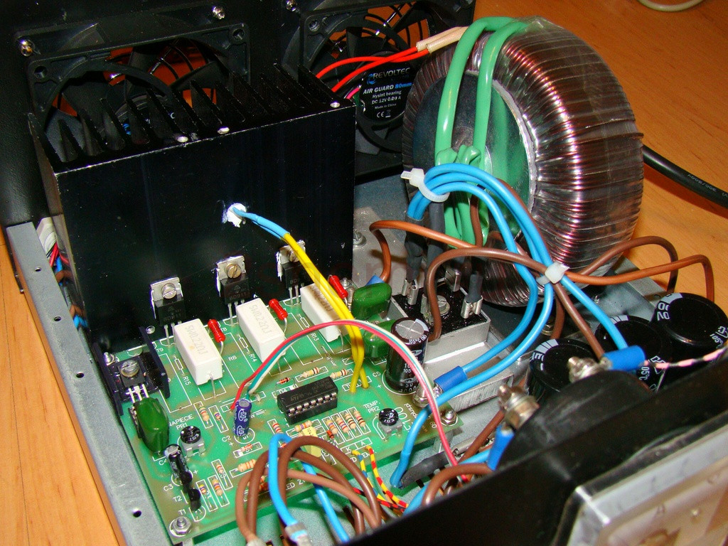 Схема БП для мощной радиостанции