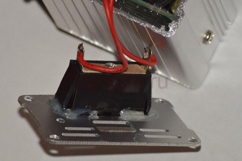 Автомобильный инвертор 12-220 В: тест преобразователя ценой 10$